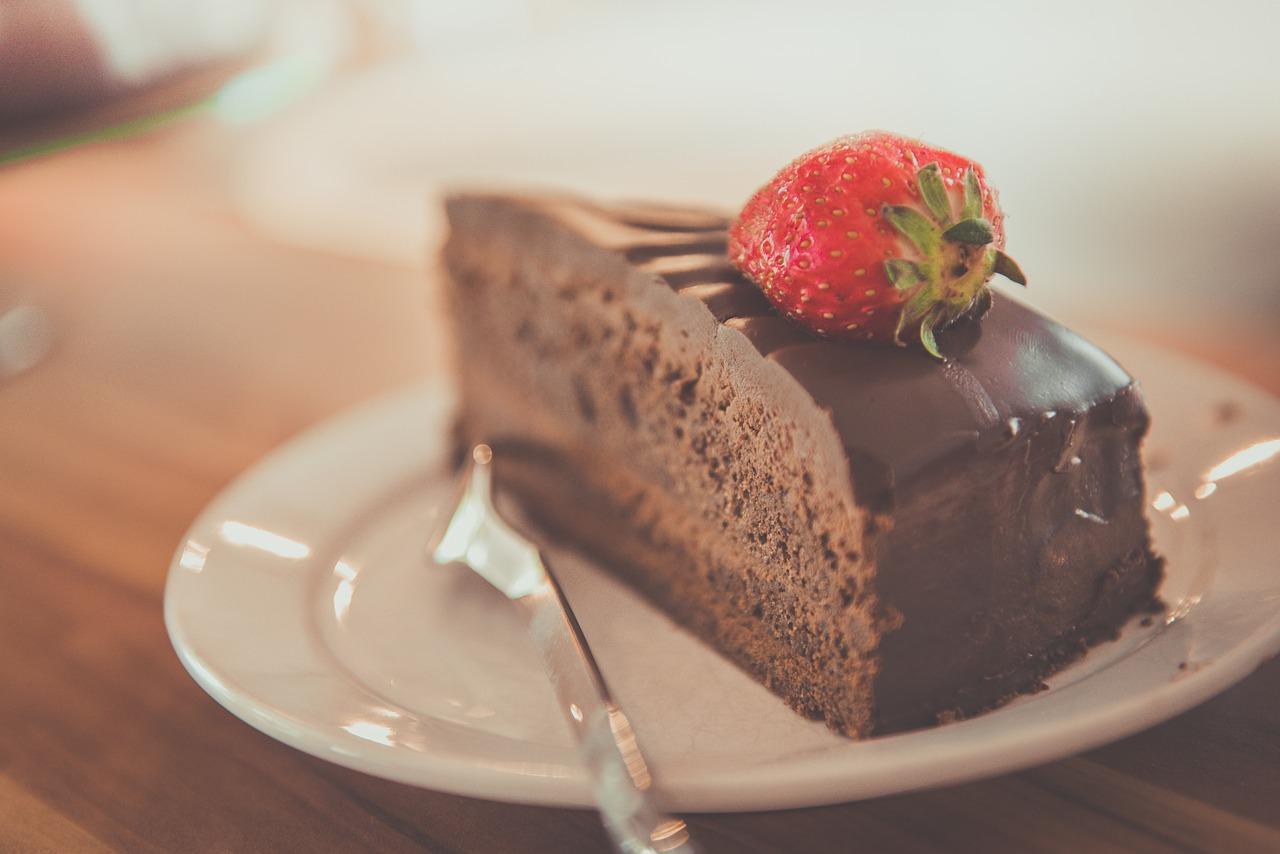 Pastel o Torta de Chocolate con Crema
